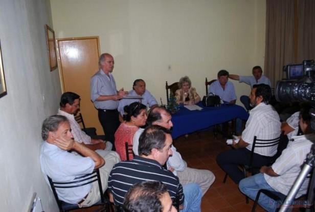 """PL: el """"cassanismo"""" convoca al Comité para superar el cepo judicial que impide las urnas"""