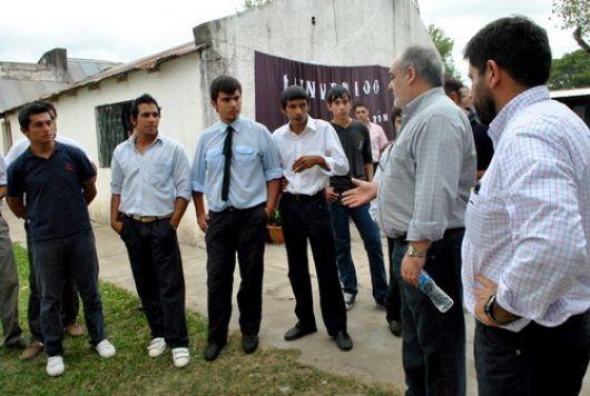 Ricardo confía su éxito electoral en el Interior