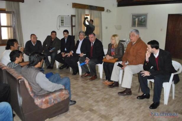 Funcionarios del Gobierno se reunieron con presos que continúan con la huelga