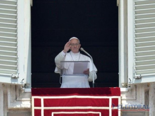 Francisco pidió por la paz en Siria y elogió a América Latina