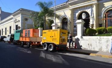 El palacio municipal retoma la actividad con grupos electrógenos y sin solución a la vista
