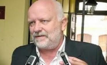 A la espera de la decisión judicial, Osella anunció que irá por la re-re