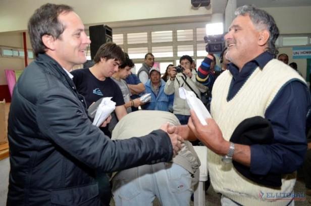 Camau propone una política para la gente y sin confrontaciones