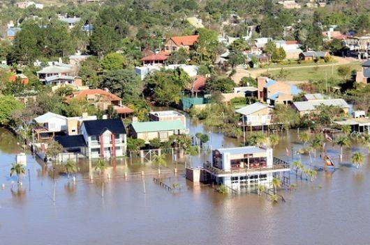 La crecida suma más daños y evacuados por el Interior