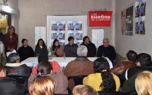Ríos inauguró sedes y amplía poder territorial