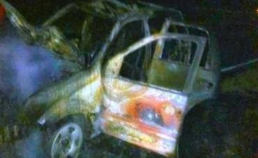 San Roque: dos muertos en el choque frontal de un auto y una camioneta