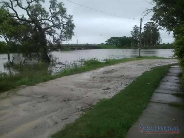 En San Luis del Palmar y Paso de la Patria hay evacuados por las lluvias