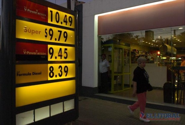 Estaciones de Shell y Esso subieron sus precios y pasaron la barrera de 10 pesos