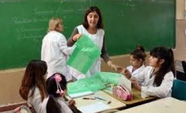 Paritarias docentes: gremios entregaron la reglamentación y esperan el decreto de Colombi